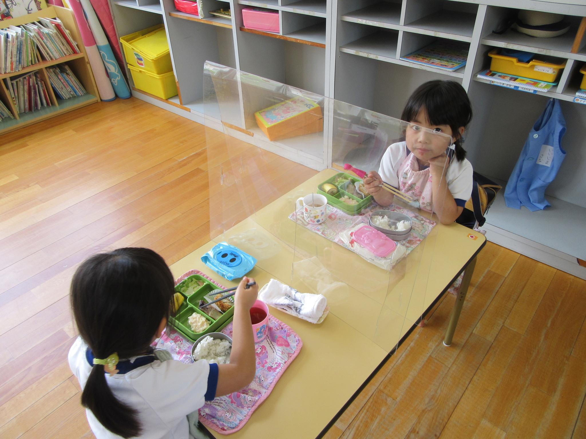 ウイルス 幼稚園 コロナ